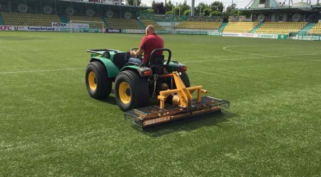 Solutii complete pentru terenurile de sport cu gazon sintetic